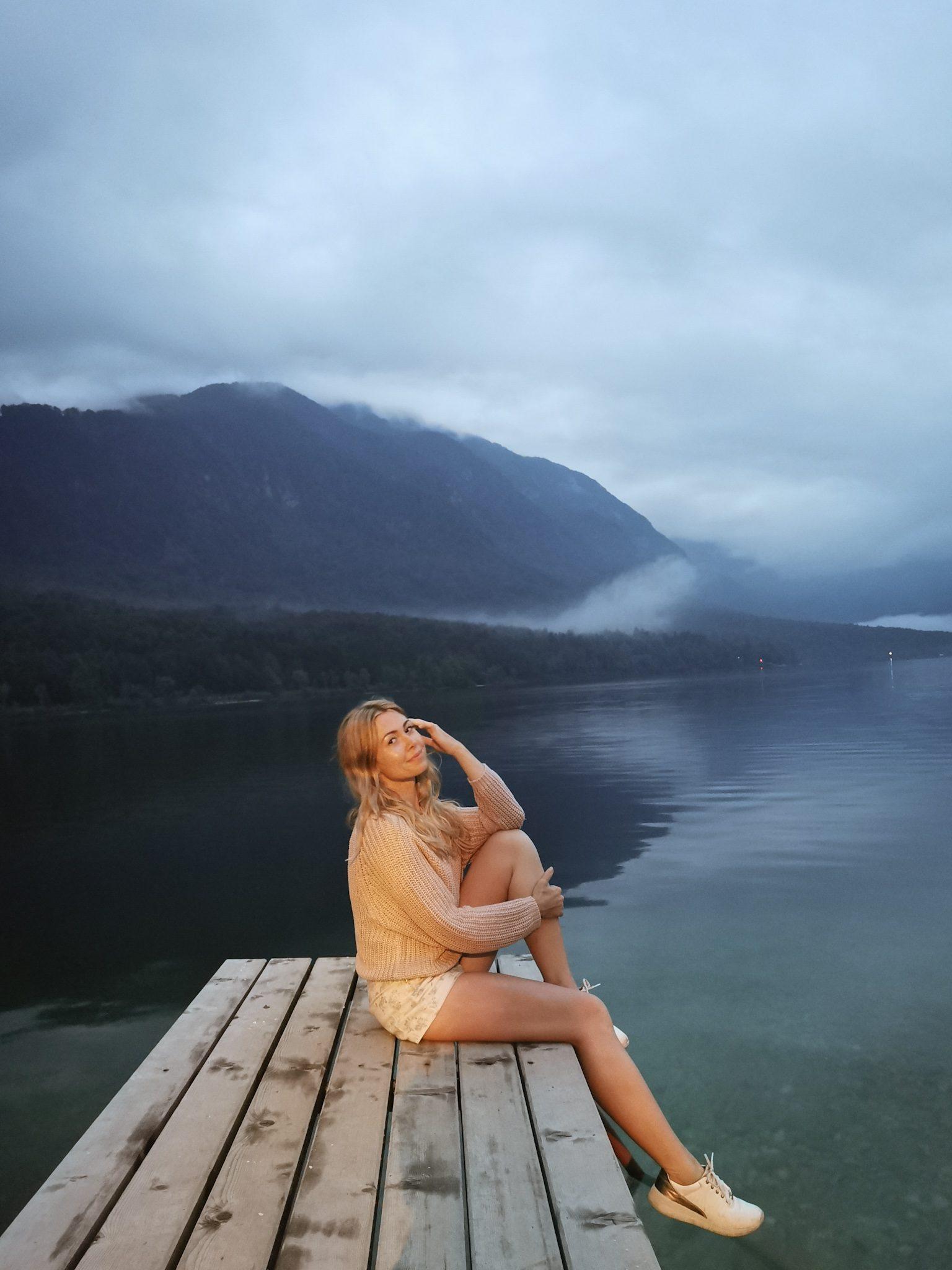 Jezioro Bohinj Słowenia molo