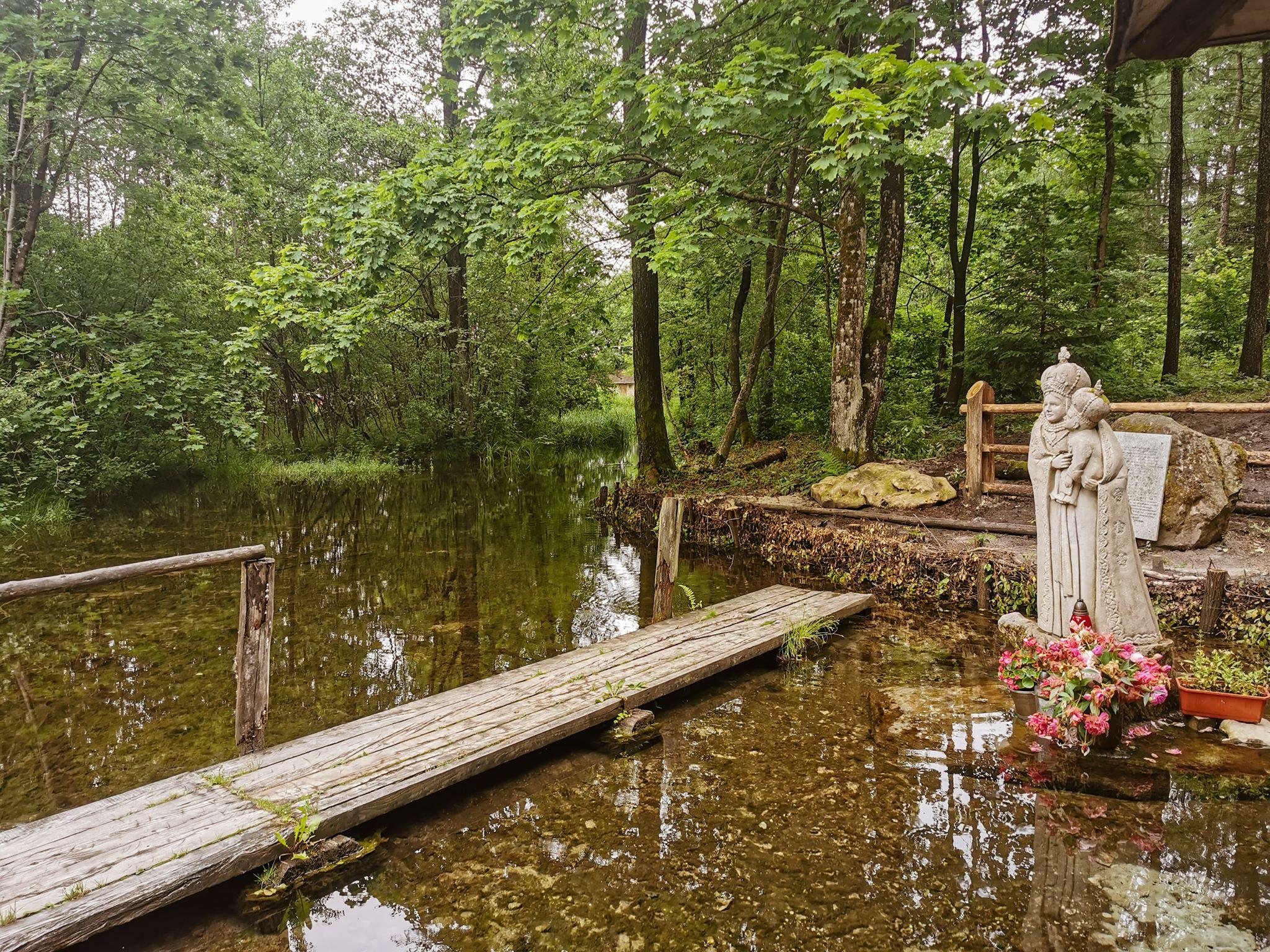 kapliczka na wodzie Roztocze