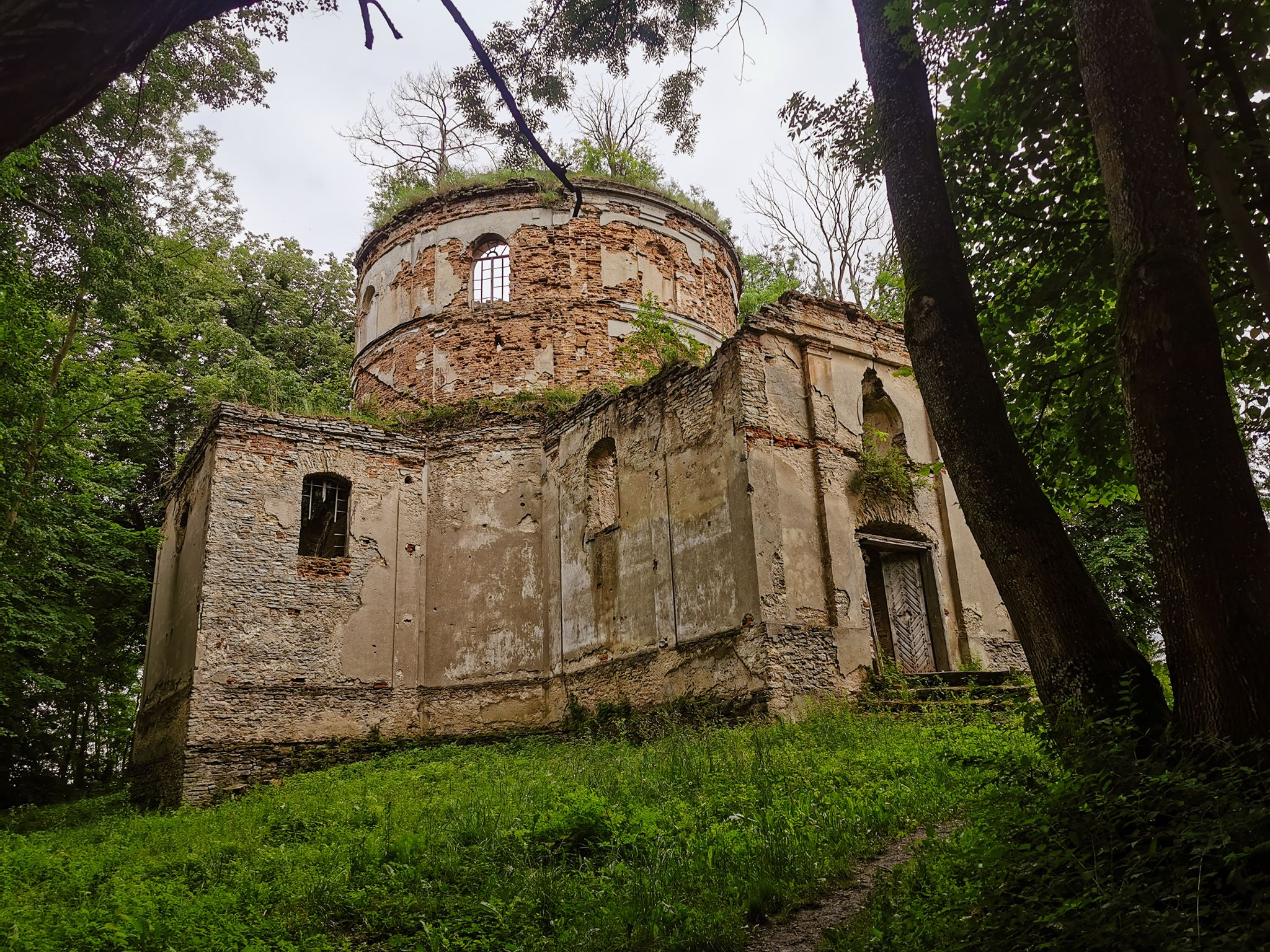 ruiny cerkwi Kniazie