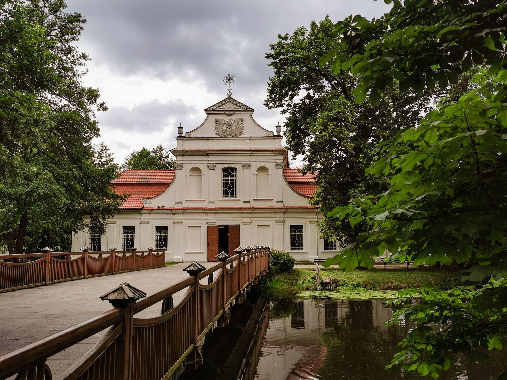 Zwierzyniec kościół na wyspie